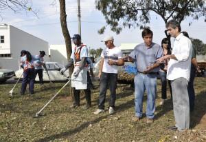 Rio Claro inicia limpeza da cidade com equipe reforçada