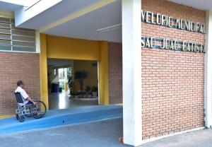 Velório Municipal ganha rampa  de acesso e novo paisagismo