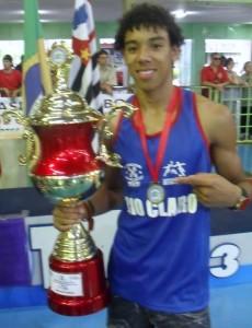 Pugilista de Rio Claro é campeão brasileiro de Boxe