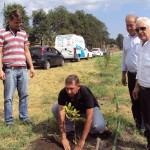 Ricardo Schmidt (a esquerda), presidente da Associação de Recuperação da Bacia do Rio Piracicaba (Florespi) e à direita Rogério Vidal, secretário municipal de Defesa do Meio Ambiente (Sedema), Vlamir Schiavuzzo, presidente do Semae.