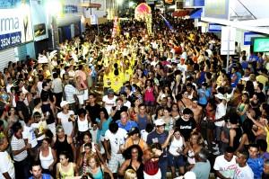 RC terá 'Sexta-feira Encantada' com desfile da Esquina do Veneno