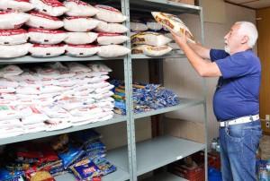 Trote solidário arrecada alimentos para o Fundo Social
