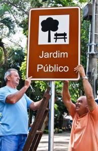 Prefeitura irá instalar mais de 900 placas de sinalização e indicativas