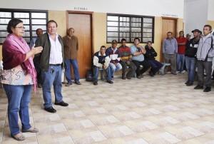 Funcionários municipais recebem Olga no DOP