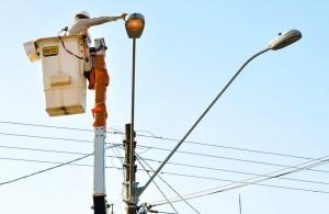 Prefeitura vai à Justiça contra obrigação na iluminação pública