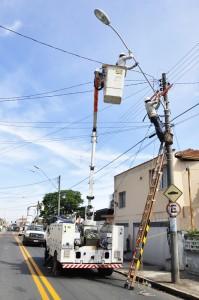 Prefeitura entra com ação na Justiça contra mais gastos na iluminação