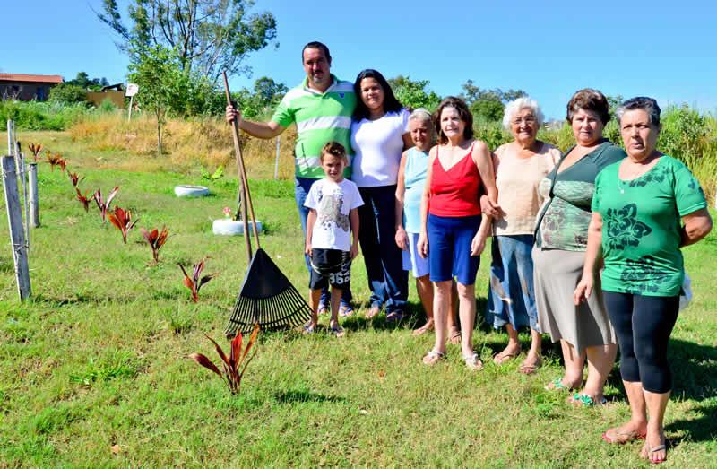 Moradores arborizam área no Jardim Boa Vista