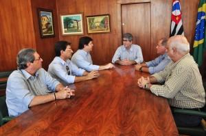 Prefeito Du Altimari recebe visita do deputado Baleia Rossi