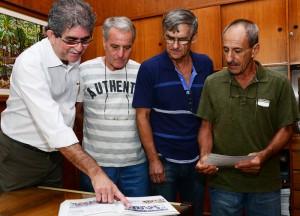 Ex-jogadores amadores são homenageados na Prefeitura