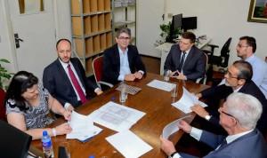 Prefeitura firma convênios que beneficiam cidadãos