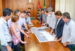 Reunião na Prefeitura discutiu projeto para via marginal na Rio Claro/Piracicaba