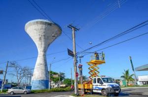 Semáforos começam a ser implantados em obra viária da Rua 14