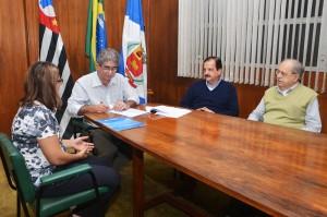 Rio Claro assina convênios com a Caixa para investir quase R$ 1,7 milhão em obras