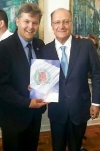 Juninho apresenta pedidos de Rio Claro ao governador Alckmin