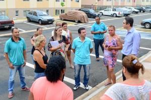 Moradores se reúnem com poder público para discutir ações no Jardim das Nações