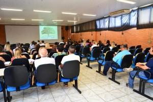 Servidores participam de palestra sobre o SUS