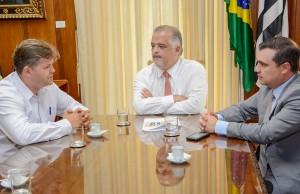 Juninho reforça ao vice-governador pedido para trevo na Washington Luís