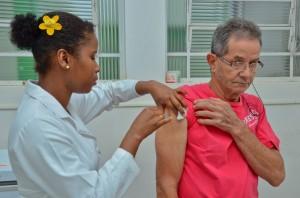 Campanha de vacinação contra gripe tem início na segunda-feira