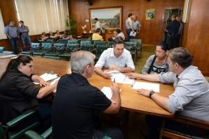 Prefeito atende população em audiência pública no paço municipal
