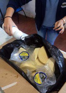 Vigilância Sanitária de Rio Claro apreende queijos com selo e rótulo falsificados