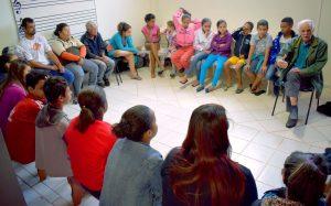 Contação de histórias leva conhecimento a crianças e adolescentes do Jardim das Flores