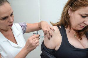 Campanha de vacinação contra a gripe prossegue até o dia 9
