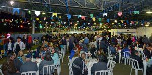 Arraiá Rural é sucesso de público com participação de mais de duas mil pessoas