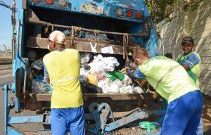 Coleta de lixo será realizada no feriado de quinta-feira