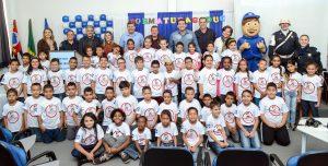 Projeto de prevenção às drogas diplomou mais 55 crianças