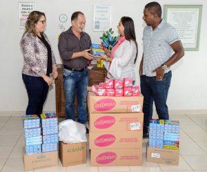 Fundo Social doa produtos de higiene pessoal à Casa de Saúde Bezerra de Menezes