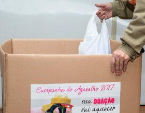 Em menos de um mês, campanha do agasalho atende mais de 1.300 pessoas