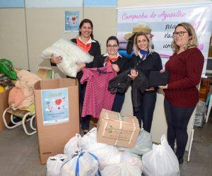 Poupatempo doa agasalhos e cobertores ao Fundo Social