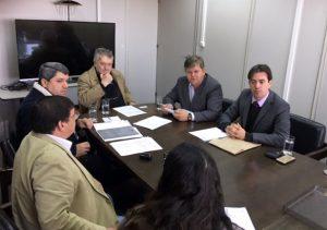 Juninho discute em São Paulo solução para área ocupada em Batovi