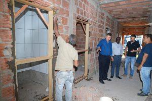 Prefeitura reinicia obra em terceira unidade de saúde