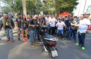 """Motociclistas aprovam a campanha """"Fique Antenado"""""""