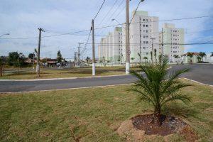 Prefeitura entrega obras na rotatória Dona Jovem no Jardim Paulista I