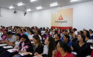 Palestra motivacional reúne  mais de 400 servidores da Saúde