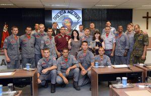 Bombeiros recebem certificado do curso de especialização de mergulho autônomo