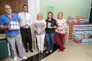 Cooperativas doam quase 1.800 litros de leite ao Fundo Social