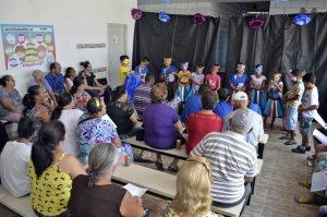 Encontro promove integração entre crianças e idosos