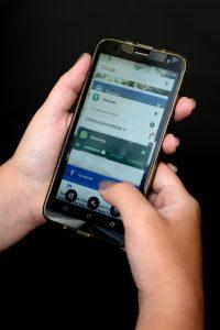 Lei dos celulares não impede que servidores falem com familiares