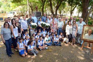 Cerimônia na Praça da Liberdade marca aniversário de 101 anos de Ulysses Guimarães