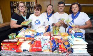 Aderc doa alimentos ao Fundo Social
