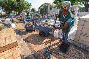 Cemitério Municipal inicia organização para Finados