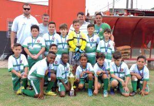 Escolinha do Cris vence campeonato Dente de Leite nas categorias sub 9 e 11