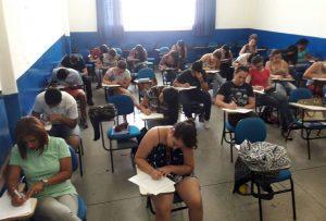 Prefeitura entrega certificados a 90 formandos de cursos de qualificação