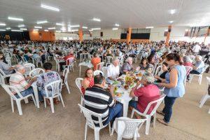 Aniversário de 66 anos da UFA reúne centenas de pessoas no Sobradão