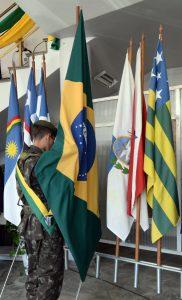 Ato Cívico celebra Dia da Bandeira