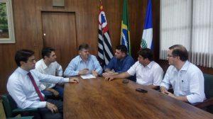 Prefeitura pede reunião com Banco do Brasil e Caixa para discutir venda irregular de imóveis