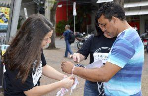 Campanha do Laço Branco incentiva combate à violência contra mulheres